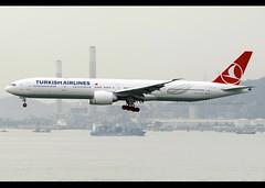 Boeing | 777-3F2/ER | Turkish Airlines | TC-JJV | Hong Kong | HKG | VHHH (Christian Junker | Photography) Tags: nikon nikkor d800 dslr d800e 70200mm plane aircraft boeing b7773f2er b777300er b773er b777 b77w turkishairlines turkish tk thy turkish070 tk070 thy070 tcjjv staralliance heybeliada heavy widebody triple7 arrival landing 25r airline airport aviation planespotting 44119 1277 441191277 hongkonginternationalairport cheklapkok vhhh hkg clk hkia hongkong sar china asia lantau terminal2 t2 skydeck christianjunker flickrtravelaward flickraward zensational hongkongphotos worldtrekker superflickers