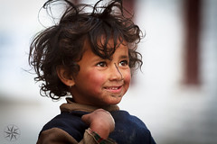 Nepali girl in Marpha, Nepal (Alexandre Carpentier) Tags: nepal snow trek canon eagle altitude rando peak 7d neige annapurnacircuit annapurna montain millet népal treking nilgiri jomsom pisang manang marpha poonhill tilicho annapurnaii machhapuchhre manaslu ghandruk ghorepani thorongla bhulbule landruk westernregion 5416m thorongphedi bluegoats besishahar highmontain diomax