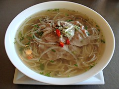 Pho Tai at Vietnam House (knightbefore_99) Tags: food hot lunch island soup restaurant vietnamese bc beef spice tasty victoria vietnam noodles pho broth photai