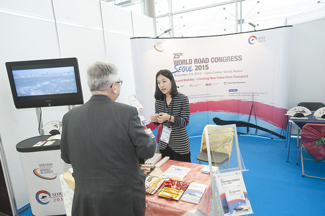 Jea Youn Kim presents the World Road Congress stand