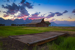 Moulton Barn (My Pixel Palette) Tags: trees usa snow mountains grass barn woods grandteton snowmountains moultonbarn tamoultonbarn