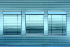 VORBERGEHEND GESCHLOSSEN (rolleckphotographie) Tags: architecture architektur fassade facade fenster windows minimal minimalism simplicity urban colorful kln rolleckphotographie stefanrollar sony slta65v
