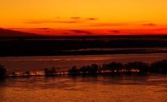 HASTA EL AMANECER (su-sa-ni-ta) Tags: argentina zoom colores julio rosario invierno amaneciendo rioparana costaneracentro esperandoaleandro