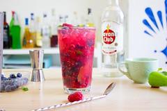Mojito ai frutti di bosco, cocktail Mojito, cocktail ai frutti di bosco, ricette cocktail 2016 (Wine Dharma) Tags: cocktail cocktails cocktailestivi cibo cocktailallafrutta cocktailricetta mojito mojitoaifruttidibosco mirtilli lamponi menta cocktailallamenta ghiaccio glass bicchiere tumbler