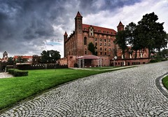 The Castle (Roman_P2013) Tags: castle gniew poland polska best shot nice walls clouds raing tree road landscapew beautifull city
