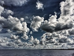 (sylwia.photography) Tags: sky water clouds natur natura skyer iphone himlen chmury niebo natureperfection natureandnothingelse skyperfection cloudsstormssunsetssunrises waterperfection cloudsperfection