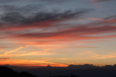 Tequila Sunrise (leblondin) Tags: sunrise levdesoleil montagnes ciel sky nuages orange naranja belledonne alpes sonnenaufgang salidadelsol nascerdosol