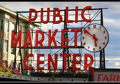 Pikes Place Market (Contrails) Tags: seattle washington washingtonstate sign publicmarket signage pikesplace market publicmarketcenter clock ledlighting