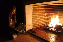 Warmup (Jorge Tarlea) Tags: fire fuego chimenea chimney fireplace hearth hogar calor heat winter invierno confy confortable agradable nice pleasant