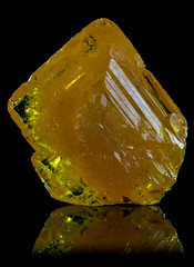 Wulfenita (Mr Giuseppe) Tags: mineral minerales geologia mineralogia rocas rocks crystals geology mineralogy