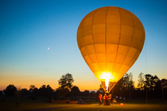Balloon Illum (Paladin27) Tags: balloon hotairballoon ballooning balloonist illumination balloonillum dusk night moon sky blue silhouette fire burner burning