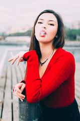 RENATA (Vampyyri.Lauri) Tags: chilena modelo woman mujer guapa bella rojo negro muelle baron muellebaron valparaiso valpo chile laura tudela lauratudela fumar cigarro cigarette
