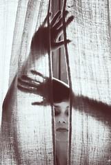 condizione naturale (chiara ...) Tags: light portrait woman monocromo hands tent