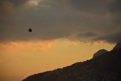 air ball (Leticia Manosso) Tags: rio de janeiro brazil sunset time beach seaside people ball morro mountian relevo favela