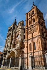 Catedral de Astorga (Job I) Tags: astorga turism travel city urban leon castilla spain europe cathedral mayor hall building architecture tower stone church