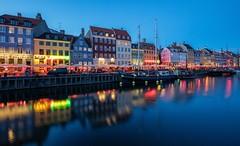 Copenhague - Quartier Nyhavn (Didier Ensarguex) Tags: copenhague nyhavn danemark coucherdesoleil heurebleue rflexionreflet canon 5dsr 2470l28 didierensarguex
