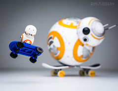 BB-8 : Anything you can do, I can do better! (Randy Santa-Ana) Tags: bb8 spherobb8 sphero starwars theforceawakens lego legostarwars legominifigures legobb8 skateboard skateboardtrick