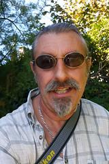20160929_103654 copie (C&C52) Tags: extrieur portrait homme personne smartphone