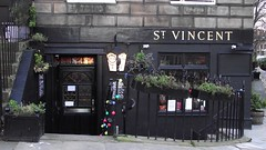 the Saint Vincent (byronv2) Tags: building architecture bar scotland pub edinburgh stockbridge newtown stvincent edimbourg saintvincent