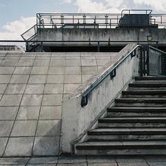 * (jubalharshaw) Tags: alexandra road estate london brutalist architecture photography film medium format 120 rolleiflex 35f fuji pro 400h scan high resolution frontier