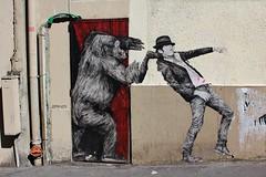 Levalet_7248 rue Jean Pierre Timbaud Paris 11 (meuh1246) Tags: streetart paris chapeau animaux singe gorille ruejeanpierretimbaud paris11 levalet