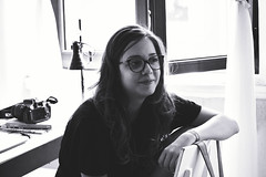 A jornalista (Gabriela Mendes ) Tags: blackandwhite portrait retrato black white pretoebranco personal room porto portugal identidade life vida cotidiano