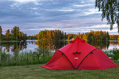 Lovsjbadens Camping (Lars Helge) Tags: morning camping summer camp holiday sunrise early fuji view sweden sommer x fujifilm sverige sommerferie fujinon sunup bergans xseries camplife xt1 wiglo lovsjn 18135mmwr fujixt1 fuji18135 berganswiglolt4 lovsjbaden lovsjbadens