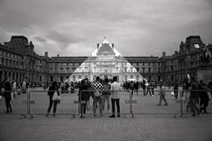 Pyramide du Louvre selon JR (Guillaume Rougeot) Tags: konica hexar af ilford pan f plus film analog black white nb bw noiretblanc pyramide du louvre jr optical illusion