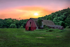 Abandoned Barn Coventry CT (Trotter Jay) Tags: barn abandoned buidling ct connecticut sunrise field landscape scenic country countryside s newengland sunset farm dairyfarm cowfarm coventry coventryct nikon nikond7100 nikon1855