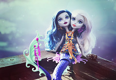 At the Head of the River (EliMalone) Tags: peri pearl serpentine mermaid siamese twins sisters blonde blue monsterhigh monster ghoul bridge river sea gold jewelry mattel great scarrier reef freak outdoors nature