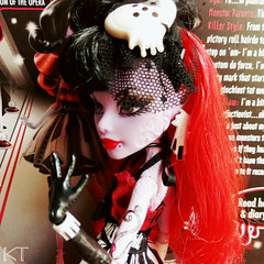 Opry (KTKate_and_Tanya) Tags: operetta doll dolls mattel monster high frights camera action