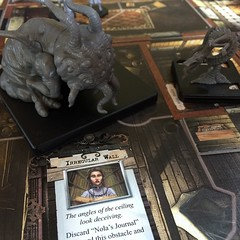 Mansions of Madness - เกมผจญภัยที่สนุกที่สุดเกมหนึ่ง วันนี้เป็นครั้งแรกที่เล่นภาคเสริมชื่อ Season of the Witch สนุกดีแต่โหดมากสำหรับฝ่าย investigators (ไม่ใช่เรา 55) เพราะให้ฝ่ายคนเล่นมีห้าคน จากปกติสี่คน ทำให้ keeper ได้พลังเพิ่มอีกหนึ่งแต้มทุกตา สามารถใ