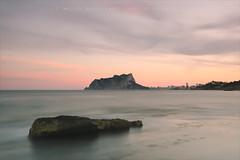 Suaument (Miguel ngel Var Giner) Tags: marina mar aigua roca pasvalenci marinaalta calp capvespre penyal horitzontal ifac llargaexposici