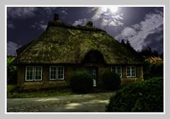 Landhaus im Norden (lotharwillems) Tags: landhaus wohnen rieddach ried wohnkultur deutschland architektur villa land thatched reed homedecor germany architecture