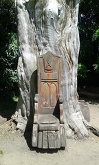 Bishops Park (Londrina92) Tags: londra london bishopspark park parco chair sedia albero tree weird