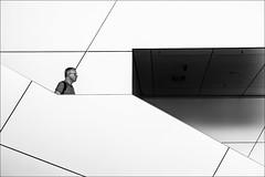 Head.Lines (Heinrich Plum) Tags: fuji xe2 xf1855mm heinrichplum plum black white schwarzweiss kopf linien bmwwelt munich mnchen muenchen blackwhite candid monochrom monochrome bavaria bayern bmw treppe stairs stairway