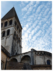 Abbaye Saint-Philibert de Tournus (abac077) Tags: tournus 71 saoneetloire bourgogne france abbaye saintphilibert abbey church eglise ciel sky nuages clouds roman