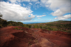 red earth and blue sky (lhirlimann) Tags: canonef1635mmf28lusm canoneos5d kauai bleu blue clouds crevasse hawaii landscape lightroom:vibrance=48 nuages ocre paysage red usa kauai