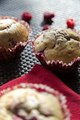 Muffin framboise/chocolat (Aliice.Photography) Tags: red black cooking fruit rouge cuisine noir chocolate cook homemade pastry raspberry muffin maison culinary fait chocolat framboise pâtisserie culinaire