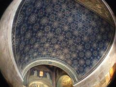 Ravenna - Mausoleo Galla Placidia (Renato Morselli) Tags: italy tomba ravenna emiliaromagna mausoleo mosaici galla placidia olloclip