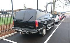 Chevrolet Suburban 1500 (FotoSleuth) Tags: chevrolet suburban 1500