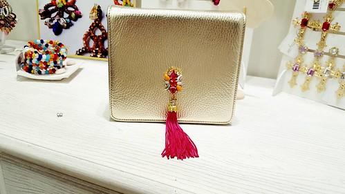 Best #minibag nappina fucsia applicazione swarovsky platinum #jewelsbag #younique #accessori #personalizzati #madeinitaly #handmade #collane #bracciali #spille #orecchini #earrings #swarovsky #pelle #personalizza #lofi #like4like #instadaily #picOfTheDay