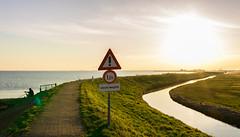 DSC_8099_Lr-edit (Alex-de-Haas) Tags: b sunset sun lake holland water netherlands beautiful dutch landscape zonsondergang meer flat dusk nederland thenetherlands mooi peninsula polder nederlands zon marken ijsselmeer plat landschap noordholland schemering vlak schiereiland