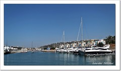 Puerto Deportivo- Marina de Albufeira- Portugal (Lourdes S.C.) Tags: puertos puertosdeportivos marinadealbufeira albufeira portugal barcos agua