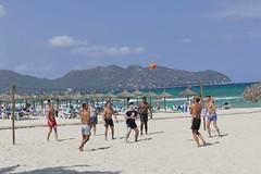 am Ball (rainer.marx) Tags: leica beach strand lumix meer urlaub panasonic holliday spanien spiel malorca calamillor fz1000