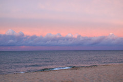 Dreamy Baltic Sea (preze) Tags: rgen ghren deutschland germany ostsee balticsea meer sunset sonnenuntergang sundown abend evening outdoor wasser water ufer sky rosa pink himmel wolken clouds canoneosm3 efm1855