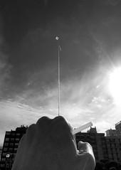 cometa selfie (Fer Gonzalez 2.8) Tags: leica blackwhite cometa barrilete hand leicadlux4