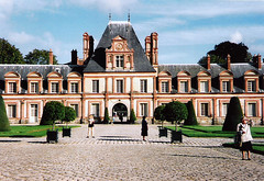 France.  September 14th.-18th. 1998 (Cynthia of Harborough) Tags: 1998 architecture courtyards palaces people