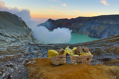 WB1A1572-292 (Lauren Philippe) Tags: du11juinau25juin2016 indonesia indonsie java kalahijen volcan ramasseursdesouffre souffre sulphur sulphurman