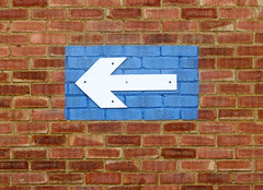 Arrow (only lines) Tags: wall kent painted bricks arrow ashford